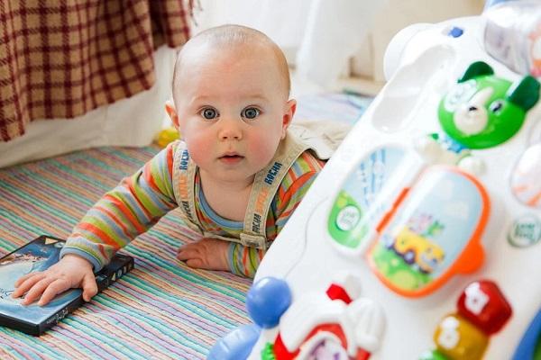 I giochi più adatti a un bambino di un anno